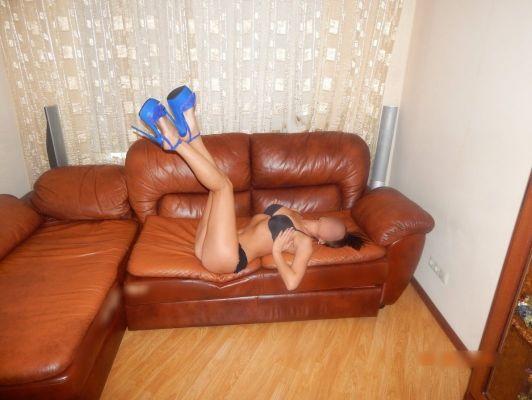 Вызвать шлюху на дом в Красноярске (Виктория, 25 лет)