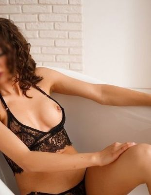 Даша, рост: 170, вес: 55 - проститутка с аналом